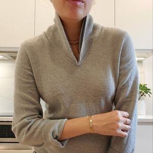 Aritzia BABATON 100% Cashmere sweater